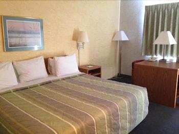 Motel 6 Elk Grove Village - Elk Grove Village, IL 60007 - Guestroom