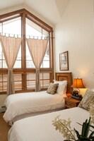Premium Condo, 4 Bedrooms