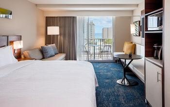 Hilton Garden Inn Waikiki Beach - Honolulu, HI 96815 - Guestroom