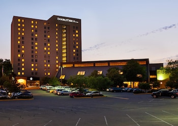 Doubletree By Hilton Minneapolis Park Place 12 3 Miles From Xcel Energy Center