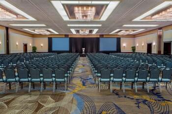 Hyatt Regency Buffalo / Hotel and Conference Center