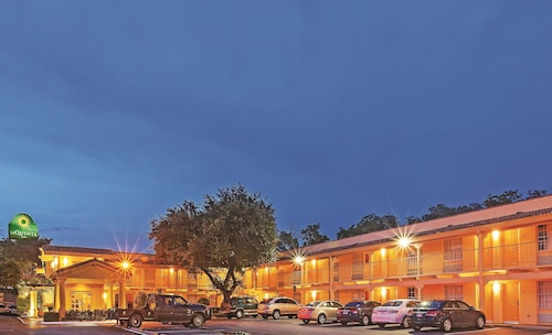 拉昆塔達拉斯住宅區飯店