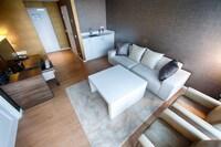 Suite, 1 King Bed (2 Bedroom)
