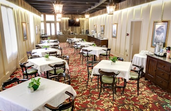 HotelDauphine Orleans Hotel