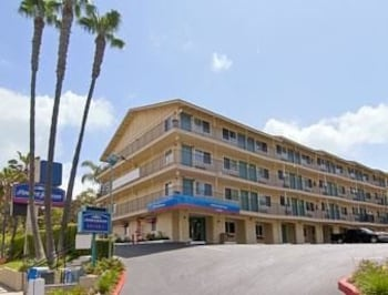 Howard Johnson Inn San Diego Hotel Circle - San Diego, CA 92108 - Featured Image
