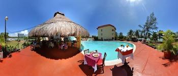 Hotel Cancun Clipper Club thumb-3