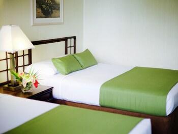 Kona Seaside Hotel - Kailua-Kona, HI 96740 - Guestroom