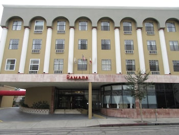 Ramada Los Angeles Wilshire Center 4 2 Miles From Dodger Stadium