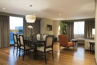 Suite (Premium Level)