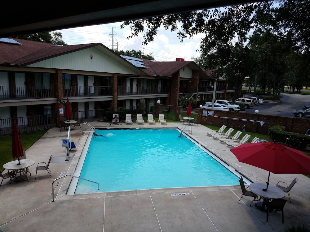Ramada By Wyndham Temple Terrace Tampa North Hillsborough Price