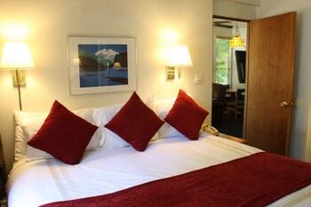 St. Moritz Lodge & Condominiums - Aspen, CO 81611 - Guestroom