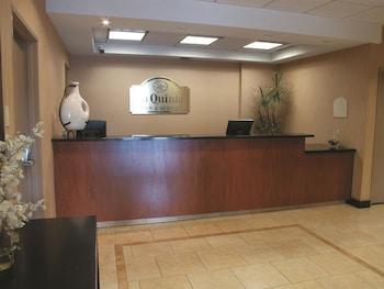 La Quinta Inn & Suites Thousand Oaks Newbury Park - Thousand Oaks, CA 91320 - Lobby
