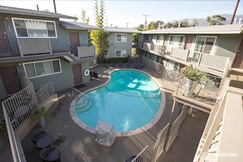 The Inn at East Beach - Santa Barbara, CA 93103 - Pool