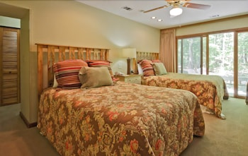 Mountain Creek Inn, Cottages and Villas at Callaway Gardens - Pine Mountain, GA 31822 - Guestroom