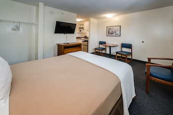 Tampa Bay Extended Stay Hotel - Largo, FL 33771 - Guestroom
