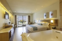 Deluxe Room, Jetted Tub, Resort View