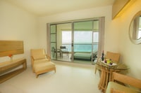 Club Room, 1 King Bed, Concierge Service - Europe Special Up to $2500 Resort Credit