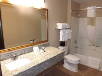 Suite, 1 King Bed with Sofa bed, Non Smoking, Jetted Tub (2 room)