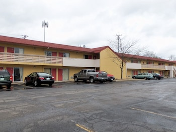 Motel 6 Mason 11 7 Miles From Riverbend Music Center