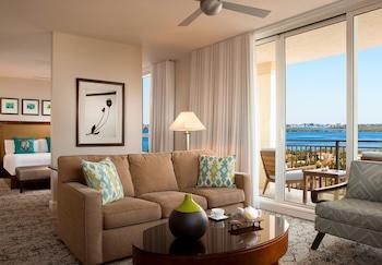 Palm Beach Marriott Singer Island Beach Resort & Spa - Singer Island, FL 33404 - Guestroom
