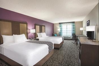 La Quinta Inn & Suites Hopkinsville - Hopkinsville, KY 42240 - Guestroom
