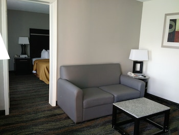 Quality Inn & Suites Conference Center - Thomasville, GA 31757