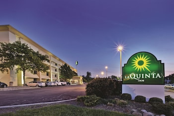 La Quinta Inn Cleveland Airport North 15 7 Miles From Cuyahoga Valley