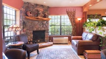Sedona Real Inn & Suites - Sedona, AZ 86336 - Guestroom