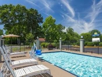 Days Inn Blakely Ga - Blakely, GA 39823 - Pool