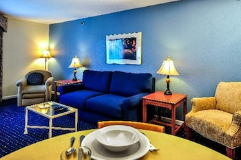 Varsity Clubs Of America - South Bend by Diamond Resorts - Mishawaka, IN 46545 - Living Area