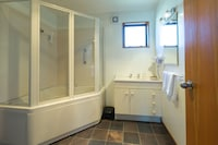Executive Apartment, 2 Bedrooms, Jetted Tub