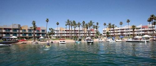 航海海濱度假飯店