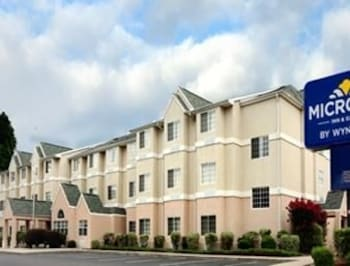 Microtel Inn Suites By Wyndham Columbia Harbison Area 8 1 Miles From Benedict College