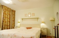 Standard Room, 1 Double Bed, Non Smoking, Jetted Tub