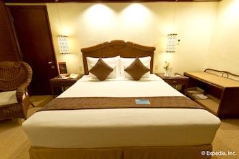 Waterfront Airport Hotel Cebu Guestroom