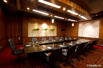 Waterfront Airport Hotel Cebu Meeting Facility