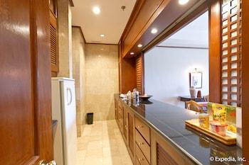 Waterfront Airport Hotel Cebu In-Room Kitchen