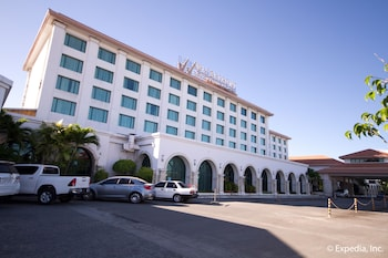 Waterfront Airport Hotel Cebu Featured Image