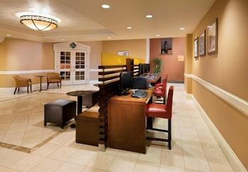 Sheraton Pasadena Hotel - Pasadena, CA 91101 - Lobby