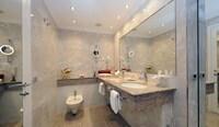 Suite, 1 Bedroom, 2 Bathrooms