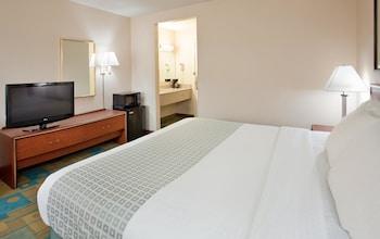 La Quinta Inn & Suites Des Moines/West-Clive - Clive, IA 50325