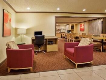 La Quinta Inn & Suites Springdale - Springdale, AR 72762 - Lobby