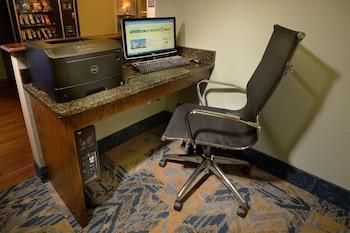 Comfort Inn Schererville - Schererville, IN 46375 - Business Center