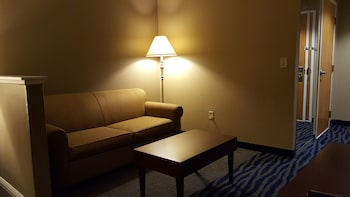 Comfort Inn & Suites Sequoia/Kings Canyon - Three Rivers, CA 93271 - Living Area