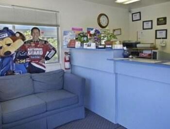 Travelodge Clearlake - Clearlake, CA 95422 - Lobby
