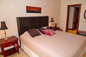 Holiday Inn Express Middlesboro - Middlesboro, KY 40965 - Guestroom