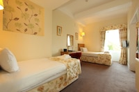 Family Suite, 1 Bedroom, Hill View