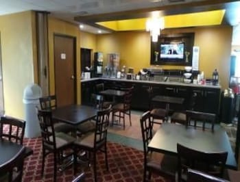 Baymont Inn and Suites Jesup - Jesup, GA 31546 - Breakfast Area