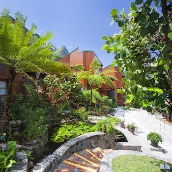 Ladera Resort