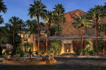 Royal Palms Resort and Spa in the Unbound Collection by Hyatt